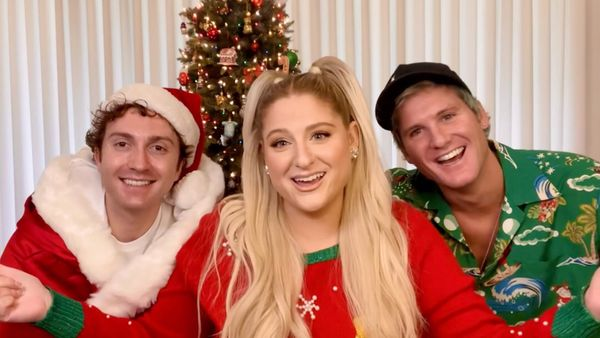 Live Chat: It's Christmas Time